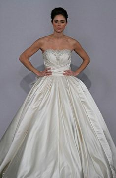 Bridal Gowns: Pnina Tornai Princess/Ball Gown Wedding Dress with Strapless Neckline and Empire Waist Waistline