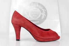 #red #peeptoe #platform #pump #pasion #party #ole #pieldetoro #madeinspain #suelalegítimacuero #madrid #capital #moda #estilo #unico #original #style #zapatos #peeptoes #shoes #onlinestore JorgeLaranaga.com