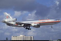 American Airlines N133AA McDonnell Douglas DC-10-10 aircraft picture