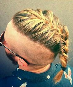Man Braids - Men Are Replacing Their Man Buns With Braids. We Have Feelings Braided Man Bun, Mohawk Braid, Mens Braids Hairstyles, Cool Hairstyles, Viking Braids, Man Braids, Viking Haircut, Hair 2018, Beard Styles