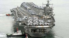 """Flugzeugträger - Die Giganten unter den Kriegsschiffen Flugzeugträger (Bild) sind heute die größten Kriegsschiffe. Auf den von der Marine eingesetzten Wassergiganten können Militärflugzeuge starten und landen. Alle heute im Einsatz befindlichen Flugzeugträger bilden den Kern einer Trägerkampfgruppe. Mit ihrer Hilfe kann eine Nation weltweit militärisch handeln, auch ohne Stützpunkte im Konfliktgebiet zu unterhalten. Große Flugzeugträger, auch """"Supercarrier"""" genannt, haben bis zu 6.300 Mann…"""