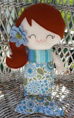 sweet little mermaid girl made by me :)  www.dandelionwishesmimi.etsy.com  www.facebook.com/dandelionwishesbymimi