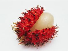 50 Healthiest Foods For Women: Lychee http://www.prevention.com/food/healthy-eating-tips/50-healthiest-foods-women?s=23
