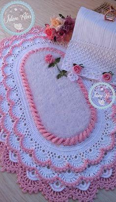 Crochet Granny, Diy Crochet, Crochet Crafts, Crochet Bikini, Crochet Bedspread Pattern, Crochet Flower Patterns, Crochet Flowers, Crochet Table Runner, Diy Home Crafts