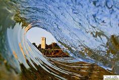 Google Image Result for http://2.bp.blogspot.com/_Go2pG2QyVZU/Scut4fD_tJI/AAAAAAAAAoo/_J-CdvSkANs/s400/d-building-through-wave.jpg