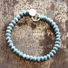 Bracelet lave bleue pour les Hommes par Gilbert-Gilbert pour l'Atelier des Bijoux Créateurs.
