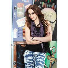 Elizabeth Gillies as Jade West in Victorious Season 1 Promo Image |... ❤ liked on Polyvore featuring victorious, elizabeth gillies, famous people, hair and jade