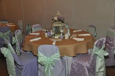 My wedding: Burlap. birdcages, lavender and mint green! #crosstimberswinery