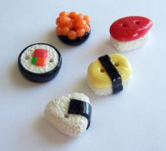 We like these cute sushi buttons. Shiro should sew some on his chef's apron, don't you think?