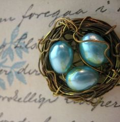 Make a Jewelry Wire Bird Nest dollar store crafts