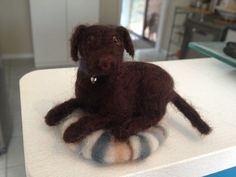 Needle Felting - Chocolate Labrador Chocolate Labradors, Felt Dogs, Artsy Fartsy, Needle Felting, Insects, Fish, Cute, Crafts, Animals