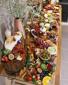 """If this doesnt make you drool Can you really call yourself a foodie? ""If this doesnt make you drool Can you really call yourself a foodie? I like the variety of bowls etc used and the upside down barrels for height. Will work well with the look. Party Trays, Snacks Für Party, Party Buffet, Food Platters, Cheese Platters, Cheese Table, Antipasto Platter, Grazing Tables, Buffets"