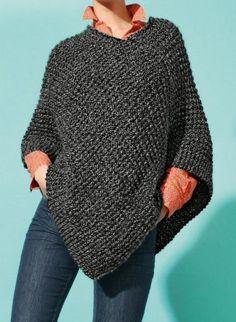 Mag 164 - n° 10 Poncho court Mag 164 - n° 10 Poncho court Poncho Knitting Patterns, Knitted Poncho, Loom Knitting, Crochet Shawl, Knit Patterns, Free Knitting, Knit Crochet, Simple Knitting Patterns, Pull Poncho