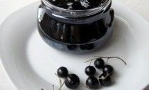 Black Currant Jam in Five Minutes Pots, White Cheese, Jelly Jars, Black Currants, Dehydrated Food, Russian Recipes, English Recipes, Fresh Herbs, Easy Cooking