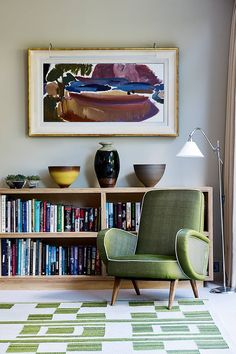 Looking for small living room ideas? The best small living room designs from the House & Garden archive. Small Living Room Design, Small Space Living, Home Living Room, Living Room Designs, Living Room Furniture, Living Spaces, Murs Pastel, Chair Design Wooden, Home Library Design