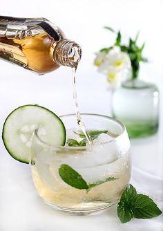 Elderflower Champagne Cocktail | Fill a tumbler with ice. Fill three-quarters of the glass with dry champagne or prosecco. Add thinly sliced cucumber and fresh mint. Top off with St-Germain. #drink #alcohol