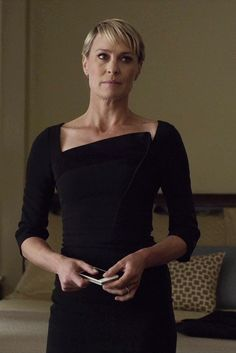 Robin Wright Claire Underwood House of Cards Chapter 17 Robin Wright, Power Dressing, Claire Underwood Style, Work Fashion, Fashion Outfits, House Of Cards, Business Dresses, Schneider, Dress To Impress