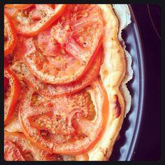 Une bonne recette de tarte à la tomate :)