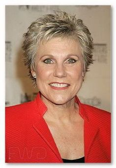 Short hairstyles for over 60