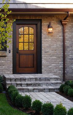 Exterior door that looks INCREDIBLY welcoming despite the plain front facade it's set in. Exterior door that looks INCREDIBLY welcoming despite the plain front facade it's set in. Front Door Trims, Front Door Steps, Front Door Porch, Wood Front Doors, Front Door Design, House Front, Side Door, Exterior Paint, Exterior Design