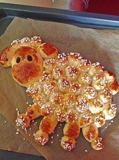 Easter lamb from lava cake Easter Dinner Recipes, Easter Appetizers, Brunch Recipes, Appetizer Recipes, Holiday Recipes, Brunch Ideas, Breakfast And Brunch, Breakfast Bake, Kid Desserts