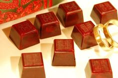 Double Happiness Chinese Wedding chocolates! Those look amazing!  #chineseweddingfavors  #chineseweddings
