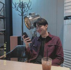 Handsome Asian Men, Handsome Boys, Cute Asian Guys, Asian Boys, Korean Celebrities, Korean Actors, Pretty Boys, Cute Boys, Korean Boys Ulzzang