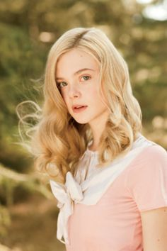 was trying to figure out who the girl off of we bought a zoo was,  i think this is her! o; elle fanning
