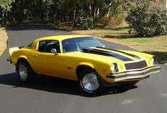 Old American Cars, American Muscle Cars, Yellow Camaro, American Car Companies, Chevrolet Camaro 1970, Transformers Cars, Chevy Muscle Cars, Hot Cars, Cars Motorcycles