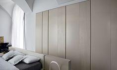 Closet doors in laque finish