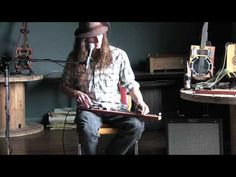 """▶ Justin Johnson's Cigar Box Guitar Workshop """"How to Play a Diddley Bow"""" - YouTube"""