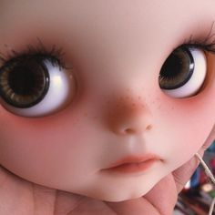 that face - these dolls are amazing! That's very weird for me to say since I HATED Barbies or any kind of doll. Grew up as a major tomboy. ;)
