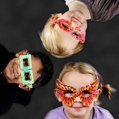 11247 Fantasievolle brillen, leuk om te maken met kinderen voor zomaar, verjaardag of voor de carnaval
