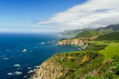 Big Sur, California - Sometimes we have to make exceptions, bite the bullet, take a deep breath and go forth into the crowd for extraordinary places. One of those places was Big Sur, California.  http://annemckinnell.com/2017/05/07/big-sur-california/ #travel #bigsur #california