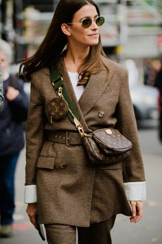 Every Street Style Look You'll Want to Recreate From PFW - Paris Fashion Week Best Street Style Outfits The Effective Pictures We Offer You About runway fashi - Fashion Week Paris, Fashion Weeks, Fashion 2020, London Fashion, Tokyo Fashion, School Fashion, Business Outfit Frau, Business Outfits, Spring Street Style