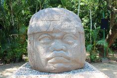 「ハクション大魔王の壺」やフィギュアっぽい古代メキシコ文明の発掘品 - GIGAZINE