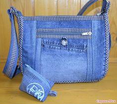 Best 10 Pin by Aurora Gaytan Barragan on Fijate en esta y asla Quilted Tote Bags, Patchwork Bags, Diy Bags Purses, Purses And Handbags, Recycled Denim Crafts, Blue Jean Purses, Denim Purse, Fabric Bags, Cloth Bags