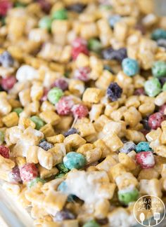 Captain crunch rice krispies are gooey cereal bars made with captain crunch cereal and marshmallows! They're the perfect snack for Cap'n Crunch lovers! Rice Crispy Treats, Krispie Treats, Yummy Treats, Delicious Desserts, Yummy Food, Rice Krispies, Sweet Treats, Cereal Recipes, Baking Recipes