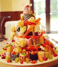 #フルーツ と#シュークリーム いっぱいの#ウェディング #ロールケーキタワー ♡ #ファーストバイト も可愛いですよ♡  #結婚式#wedding#cake#プレ花嫁#結婚準備#イストアール