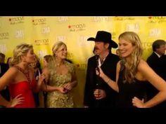 Lauren Alaina co-hosts CMAs Red Carpet (Kix Brooks Interview & more)