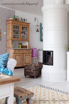 MELUKYLÄN TALO: 101 Kitchen Dresser, Kitchen Cabinets, Swedish Decor, Interior Styling, Interior Design, Country Interior, Log Homes, My Dream Home, Decoration
