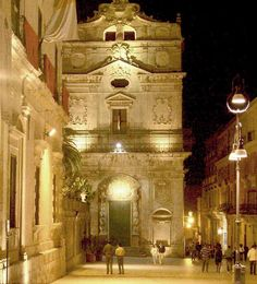 Walking in Ortigia, Siracusa. Sicily