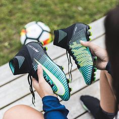 Nike has released one of the most stunning boot collections of the year this weekend. The new Nike Women's Euro 2017 football boots collection brings new colorways to the Hypervenom, Magista, Mercurial and Tiempo. Cheap Football Boots, Soccer Boots, Football Shoes, Nike Soccer Cleats, Custom Soccer Cleats, Nike Shoes Cheap, Nike Free Shoes, Nike Shoes Outlet, Cheap Nike