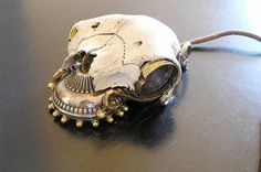 The Steampunk Skull Mouse was made using a sheep skull, and according to the modder, no sheep were harmed in the making of this mouse, as the sheep died from natural causes.