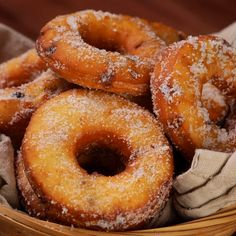 """This is """"Ciambelline fritte con ricotta e goccie di cioccolato"""" by Al.ta Cucina on Vimeo, the home for high quality videos and the people who love them. Easy Desserts, Delicious Desserts, Dessert Recipes, Yummy Food, Easy Baking Recipes, Donut Recipes, Cooking Recipes, Taco Bell Recipes, Mexican Food Recipes"""