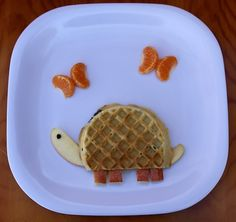 Slow-Poke Kids Breakfast: Turtle Waffle by MyLittleCornerOfTheWorld Cute Food, Good Food, Yummy Food, Food Crafts, Diy Food, Food Ideas, Food Design, Little Muffins, Food Art For Kids