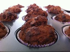 Gluten free, lactose free chocolate muffins without added sugar! http://glutenfreelady.nl/chocolate-muffins/