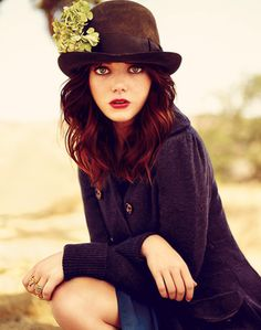 Emma Stone rocking the hat.  Hats can bring out your eyes and really make an ordinary portrait extraordinary!