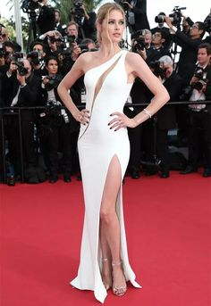 doutzen-kroes-red-carpet-cannes
