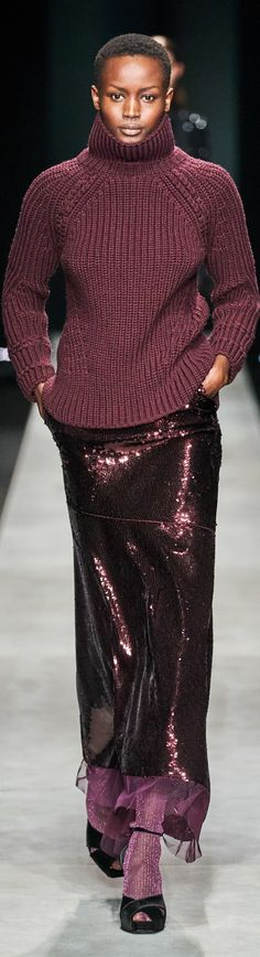 Ermanno Scervino Fall 2020 Ready-to-Wear collection Knitwear Fashion, Knit Fashion, Love Fashion, Fashion Design, Fashion 2020, Runway Fashion, Womens Fashion, Fashion Trends, Fashion Ideas